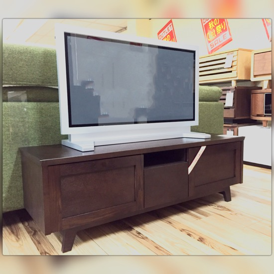 ☆これは便利!!  なTVボードがGet箕面店に。