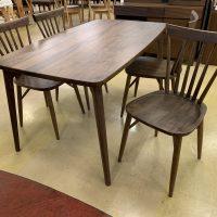 【Get神戸】ウォルナット無垢材のダイニングテーブルセットが現品限りとなっております!